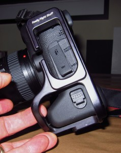 Battery door blockage by RRS 5D MKII L bracket on Canon 6D